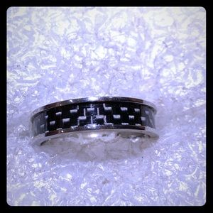 Men's ring stainless steel and carbon fiber design